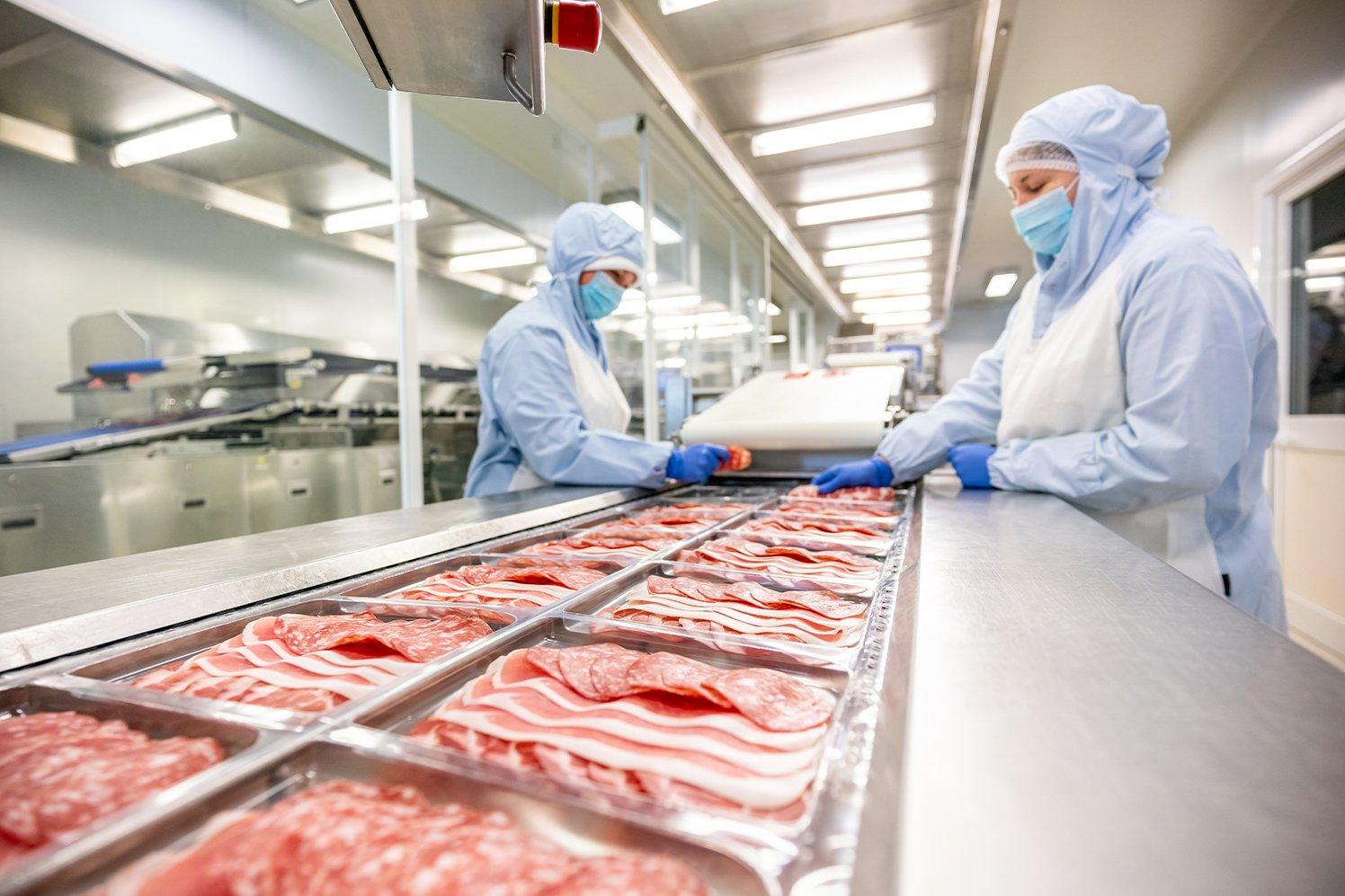 Produzione affettati in vaschette termoformate
